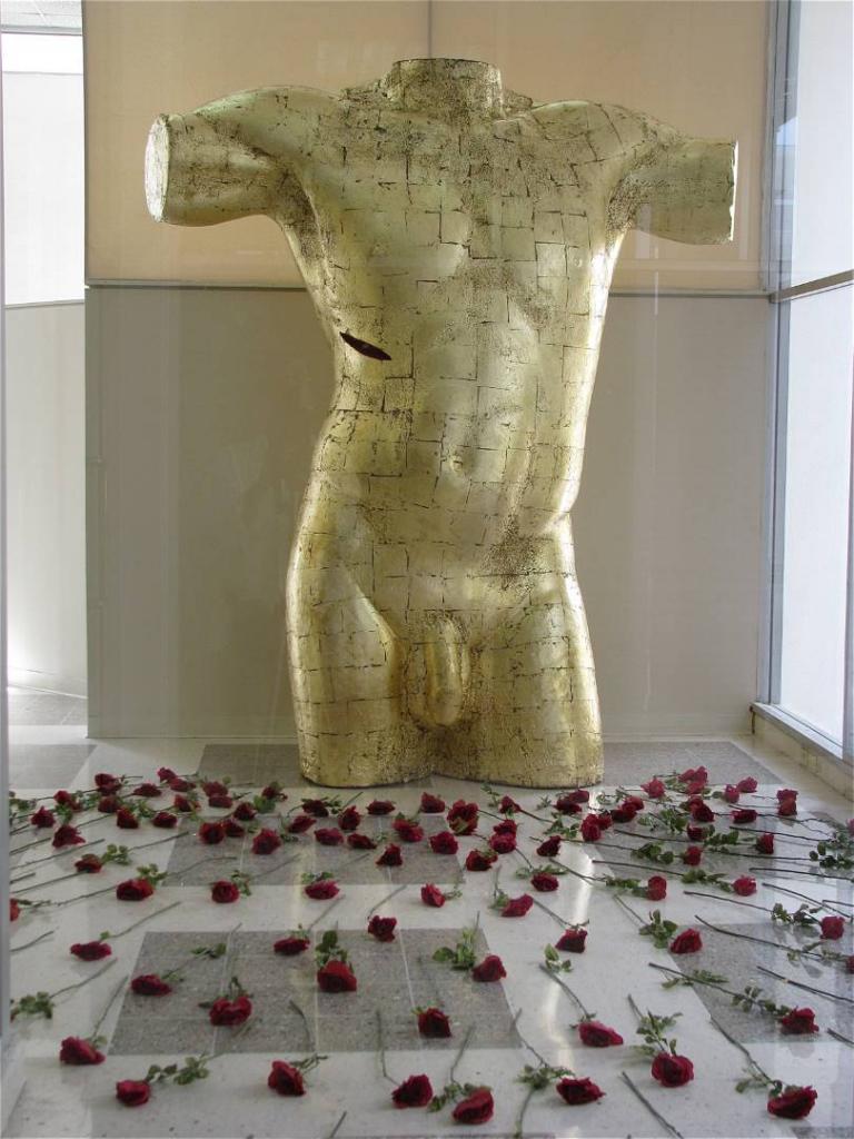 BODY AND BLOOD OF CHRIST, 2004, styrofoam, silk roses, 10 feet